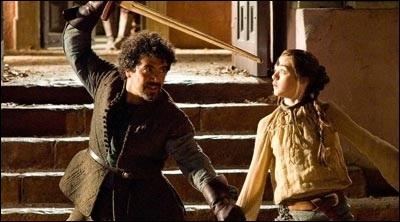 D'après Syrio Forel, le maître d'escrime d'Arya, quel est le seul dieu qui existe et que doit-on lui dire lorsqu'on le prie ?