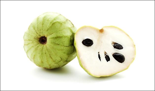 Quel est ce fruit appelé aussi annone originaire de la Cordillère des Andes ?