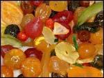 Les fruits confits ont été inventés par les Romains. C'est la ville d'Apt, dans le Vaucluse, qui est considérée comme leur capitale. Un personnage célèbre leur a même consacré un traité,