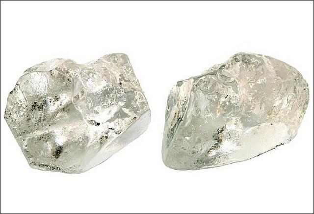 Quel a été le plus gros diamant qui fut découvert, en Afrique-du-Sud, le 26 janvier 1905 avec une masse de 3106 carats ?