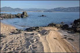 Destination le golfe de Propriano pour une semaine de camping dans un lieu paradisiaque. Où le situez-vous ?