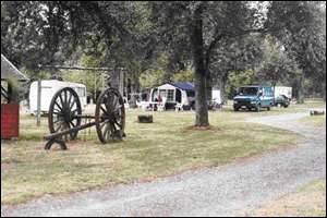 """À partir de quelle période le camping devint-il une """"pratique de masse"""" ?"""