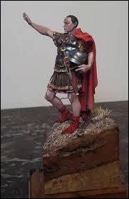 Après une épuisante campagne militaire qui dura une dizaine d'années sans parvenir à soumettre Rome, Hannibal est contraint de quitter l'Italie. Quel général romain a repris l'initiative du conflit en obligeant Hannibal à combattre pour défendre ses possessions en Afrique du Nord ?