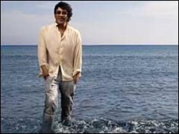Comment s'appelle cette chanson de Laurent Voulzy où l'on entend   Quand vient la fin de l'été sur la plage, il faut alors se quitter ...   ?