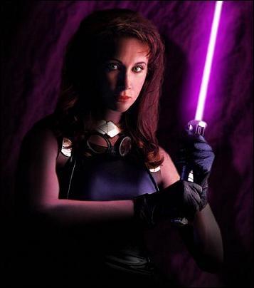 Qui est cette jeune femme (apparaît dans l'Univers Etendu de Star Wars et non pas dans la saga) ?