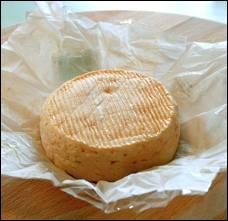 Bénéficiant d'une AOC depuis 1969, fromage au lait de vache de l'Est de la France :