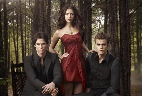 Comment s'appelle la meilleure amie d'Elena ?