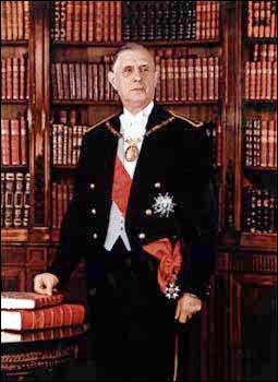 Voici le premier président de la Ve République. En 1969, il démissionne et laisse sa place à Alain Poher.
