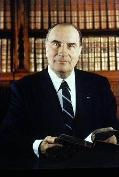 Quatrième président, il a fait deux mandats consécutifs, soit 14 ans au pouvoir.