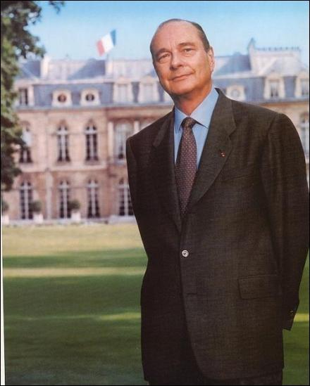 Lui aussi a fait deux mandats, un septennat et un quinquennat (réforme du quinquennat en 2000).