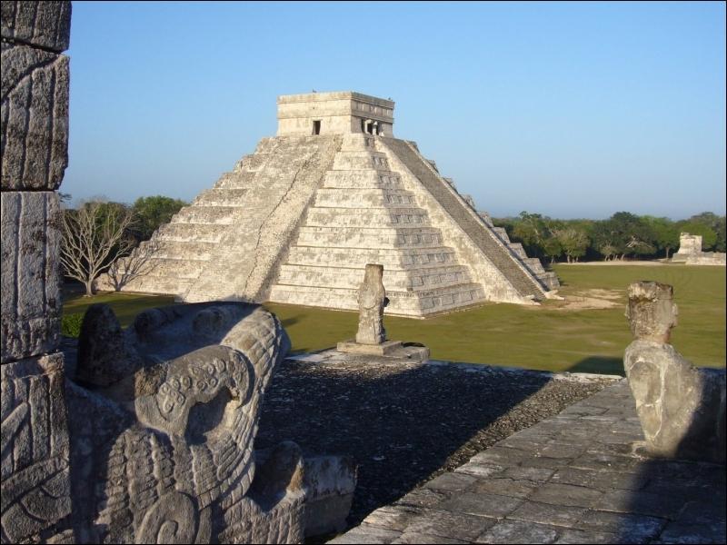 Le site de Chichén Itzá (Mexique) est une des :
