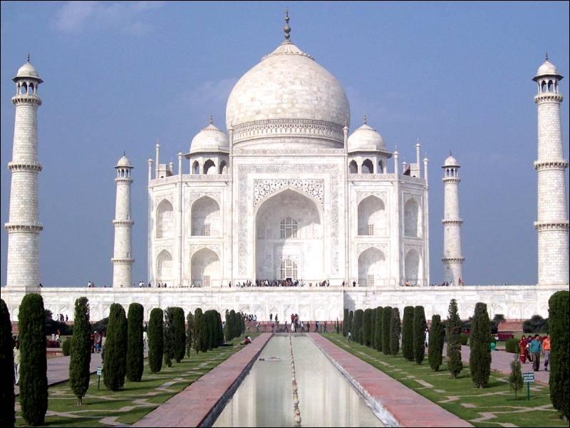 Le Taj Mahal (Inde) est une des :