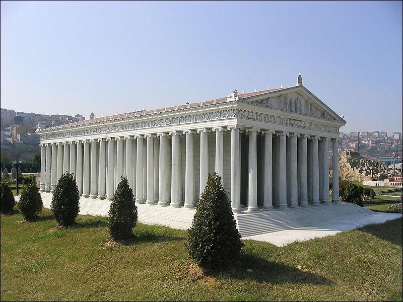 Le temple d'Artémis à Éphèse (Turquie) est une des :