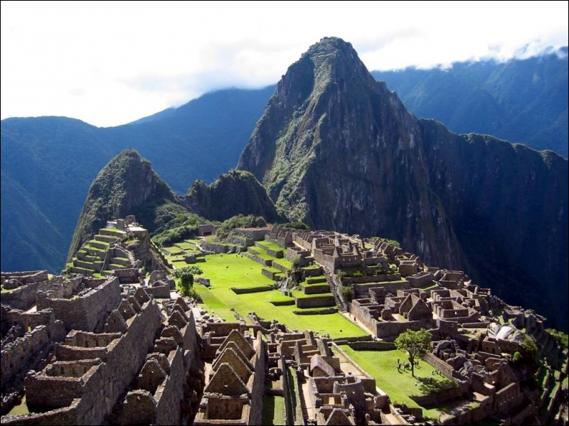 Le Machu Picchu (Pérou) est une des :