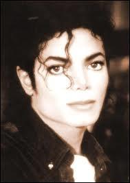 Dans quelle chanson Michael a-t-il pour la première fois effectué le Moonwalk ?