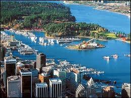 Vancouver est baigné par les eaux...