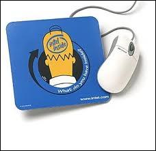Dans une publicité américaine , quel microprocesseur de la société Intel Homer s'est-il fait greffer dans son cerveau pour devenir intelligent ?