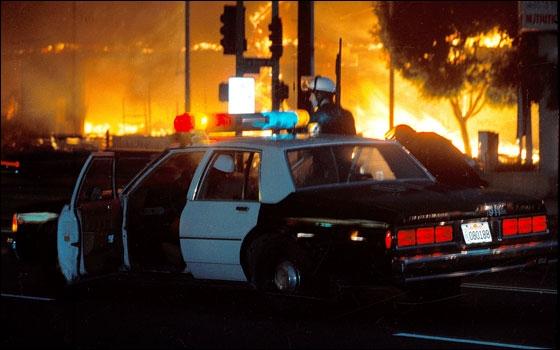 Les émeutes de 1992 à Los Angeles se sont déclenchées lors de l'acquittement des policiers blancs qui ont brutalisé un afro-américain. Qui est ce noir qui a été victime de violence policière ?