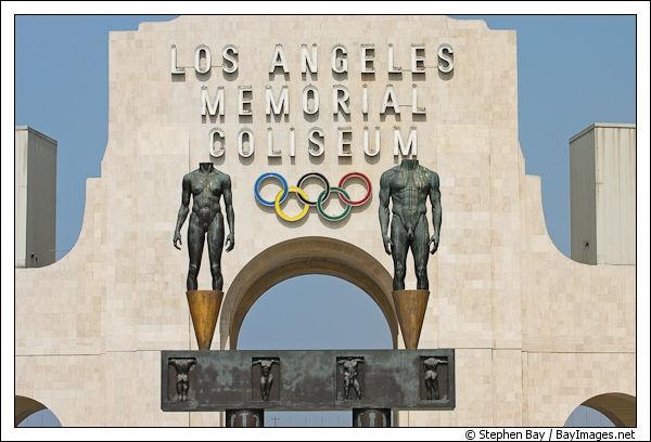Los Angeles a été la ville hôte des Jeux Olympiques d'été deux fois. En quelles années les a-t-elle accueillis ?