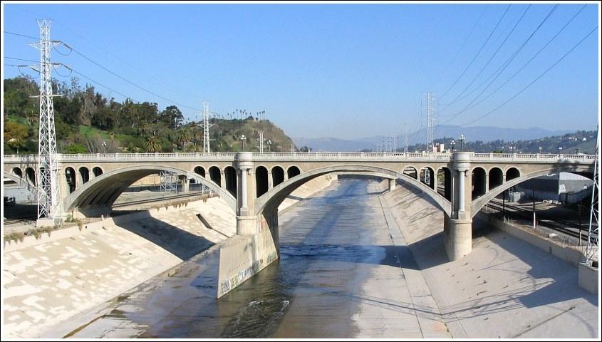 Pourquoi la «Los Angeles River» est-elle bétonnée ?