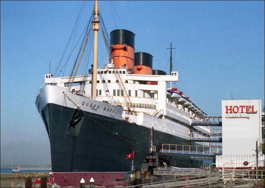 Le fameux bateau «Queen Mary» est présentement un hôtel-restaurant qui flotte dans un quai... Dans quel port de Los Angeles ?