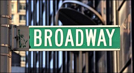 À quoi cette rue est-elle généralement associée ?