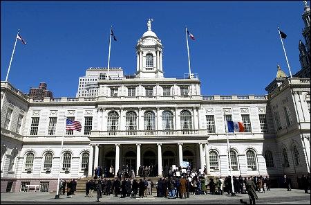 Qui était le maire de New York en 2003 ?