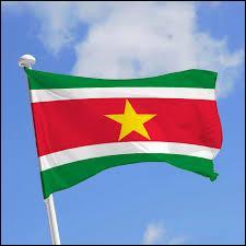 En quelle année le Surinam est-il devenu indépendant ?