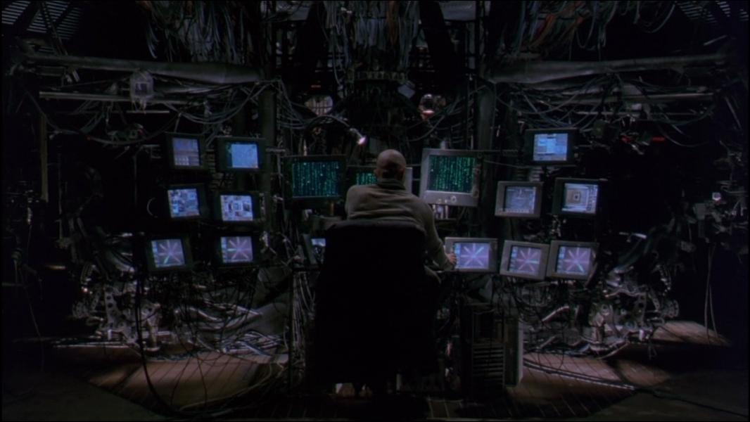 (1999) L'humanité vit dans un monde imaginaire créé par des machines intelligentes.