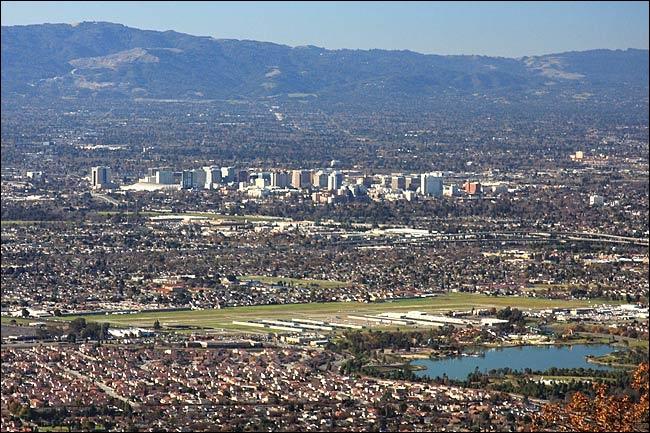 Où se situe la Silicon Valley par rapport à San Francisco ?