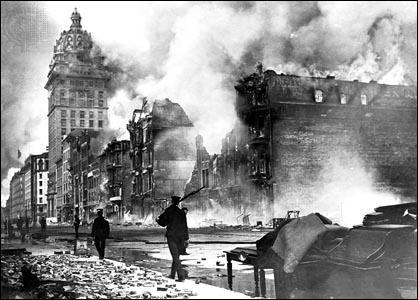 En quelle année la ville de San Francisco fut-elle victime d'un gigantesque séisme qui a eu pour effet de détruire une grande partie de la ville ?