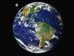 Géographie : quel est le périmètre équatorial de la Terre (ou le tour du monde au niveau de l'équateur) ?