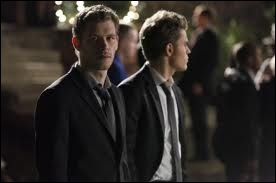 Par quoi Caroline et Matt sont-ils choqués ?