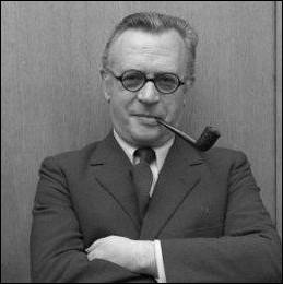 Pierre Dumayet, fut le producteur et l'animateur d'une émission littéraire culte de 1953 à 1968 de la télévision française. Quel en était le titre ?