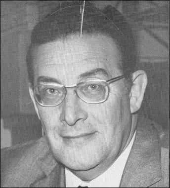 Présentateur du journal télévisé pendant près de 20 ans, commentateur-clé des grands événements et co-animateur des jeux Intervilles. Quel était le surnom de Léon Zitrone ?