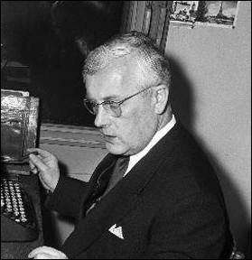 Quel est ce journaliste qui présentait en 1960 cette émission de Fréderic Rossif   la Vie des animaux   avec des commentaires acerbes ?