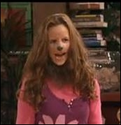 Comment s'appelle la fille-loup-garou qu'il a rencontré à travers un site de rencontre ?