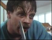 """Dans le téléfilm à sktechs """"Body Bags"""", dans quel sktech Mark Hamill joue-t-il le rôle principal ?"""