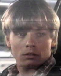 """En quelle année a été diffusé le téléfilm dramatique """"Eric"""" où Mark Hamill joue le petit frère du héros interprété par John Savage ?"""