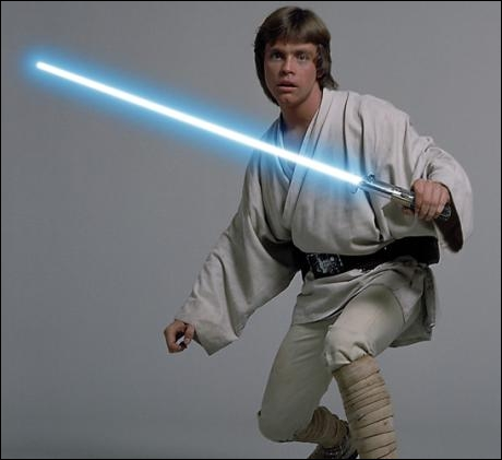 """En quelle année sort le premier """"Star Wars"""" (aujourd'hui titré """"Un nouvel espoir"""") où Mark Hamill joue le rôle-titre Luke Skywalker, rôle qui lui donne le statut de star ?"""
