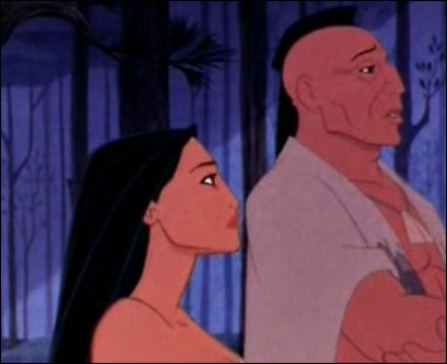 Dans cette scène de  Pocahontas , combien de queues de raton laveur porte le père de Pocahontas ?