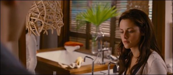 Dans cette scène de  Twilight, chapitre 4 , Edward dit à Bella que...