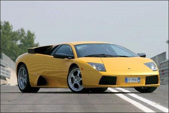 En combien de secondes monte cette Lamborghini de 0 à 100 km/h ?