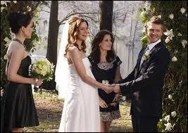 Qui est le témoin de Lucas à son mariage ?