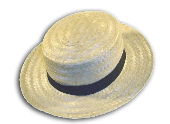 Avec son canotier, sur le côté, il a vu le nouveau chapeau de Zozo !