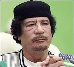 Qui est ce fils de bédouin qui a fait une longue carrière de dictateur avant d'être tué dans sa fuite ?