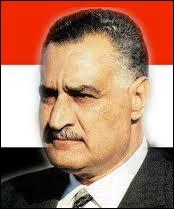 Qui est ce chef d'État arabe qui, en 1956, nationalisa la société privée franco-britannique qui gérait le canal de Suez ?