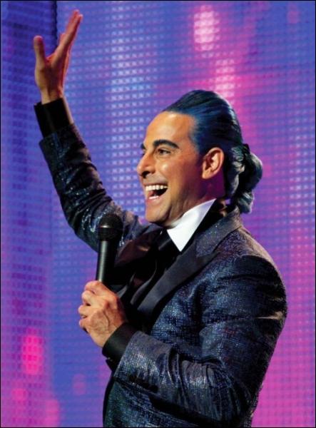 Lors des 75e Hunger Games (édition de l'expiation), de quelle couleur sont les cheveux de Caesar Flickerman ?
