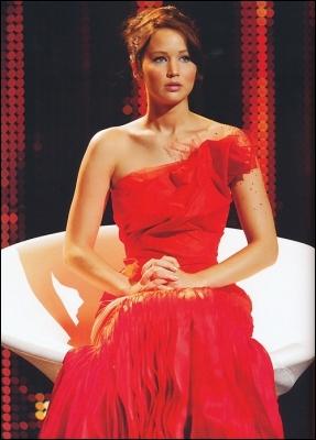 Lors de la première interview de Katniss, Cinna lui conseille de faire comme si elle parlait à quelqu'un... à qui ?
