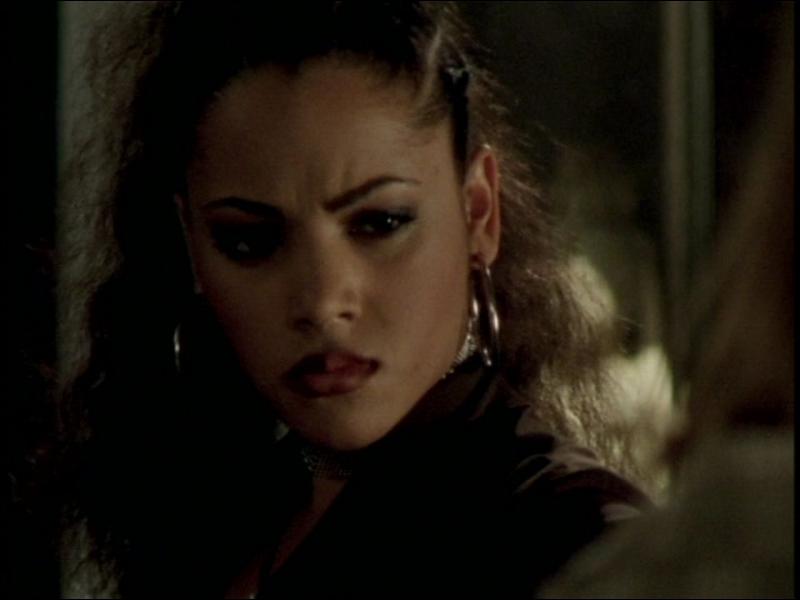 Quelle actrice joue Kendra ?